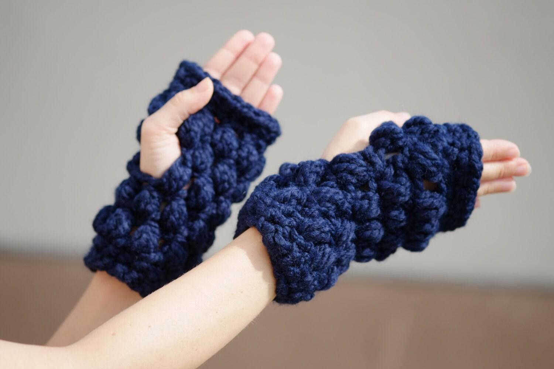 Free Crochet Pattern For Chunky Fingerless Gloves : Navy Chunky Fingerless Gloves / Crochet Unisex Men Women