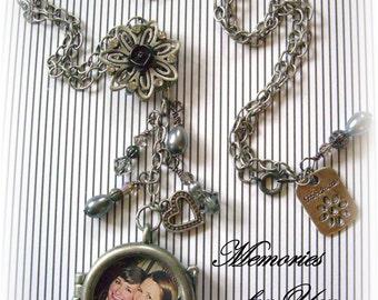 Personalized - Custom - Round Antique Silver Double-sided Locket Pendant Jewelry Keepsake Necklace