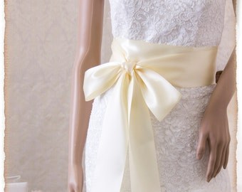 Bridal Sash, IVORY Wedding Sash, Ivory Satin Ribbon Bridal Belt,  Bridal Sash, Satin Bridal Sash