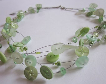 TALENTED PISTACHIO, chain of vintage buttons & beads