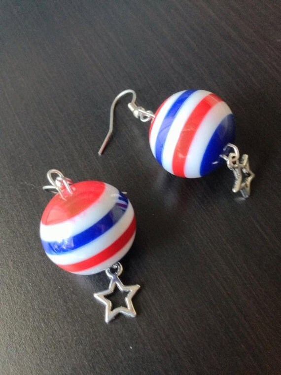 captain america earrings captain america earrings marvel comic by bombdotcomgeekery 3950