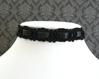 Black Lace and Faux Leather Choker Black Goth Choker Pleather and Lace Ribbon Gothic Jewelry Vintage Style Imitation Leather Necklace