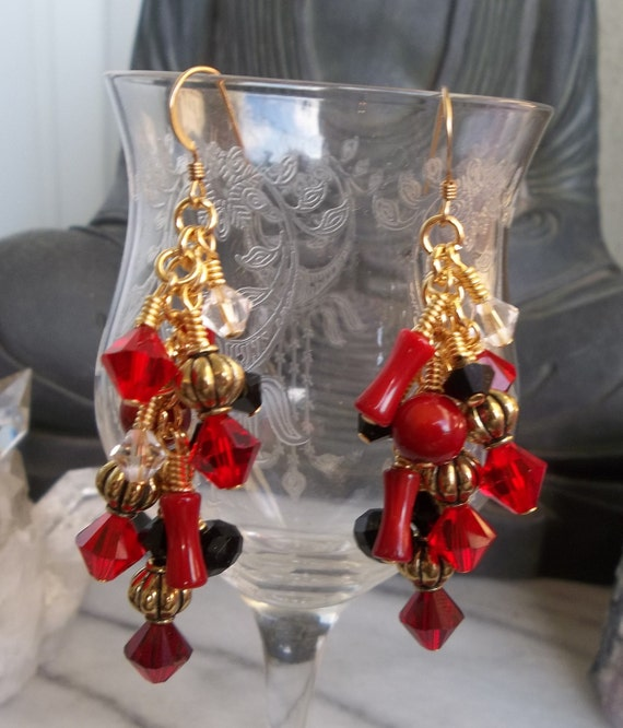 Elegant Red and Black Earrings in Gold