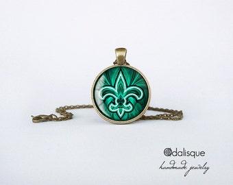 Fleur de Lys Pendant Necklace Emerald Fleur de Lis Glass Pendant Green Necklace Flower of the Lily Bronze Round Circle Jewelry Birthday Gift