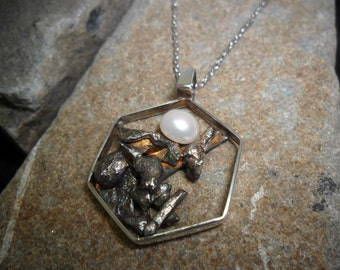 Hexagonal pendant in sterling silver with cultured pearl