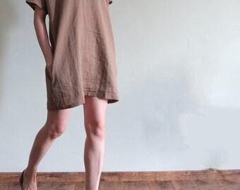 Summer minimalist V-neck linen dress