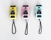 vintage camera 35mm plastic pastel color (pink, blue or yellow) so lomography diana F 80s