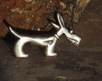 Cute Vintage Scottie Scottish Terrier Dog Pin in Sterling Silver from Mexico