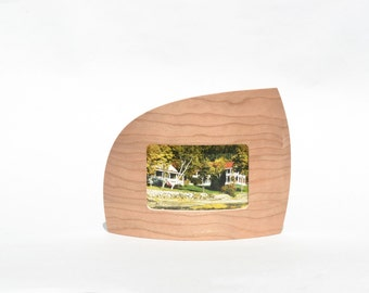 """Landscape picture frame in cherry for 4"""" x 6"""" picture"""