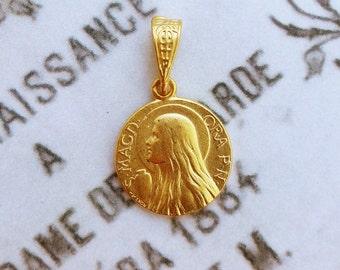 Medal - Saint Mary Magdalene and Alabaster Jar - 15mm - 18K Gold Vermeil