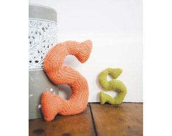 Knitted Letter S Knitting Pattern (803502)
