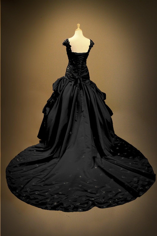 Black gothic wedding dress ball gown for Black gothic wedding dress