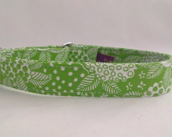 """Tag Collar - Whippet, and small to medium dog - 1"""" width - Adjustable House Collar, Mod Flowers"""