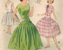 1950s McCall's 3151 UNCUT Vintage Sewing Pattern Teen's Party Dress Size 16 Bust 34