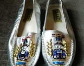 vintage beaded moccasins shoes size 7.5 metallic silver leather