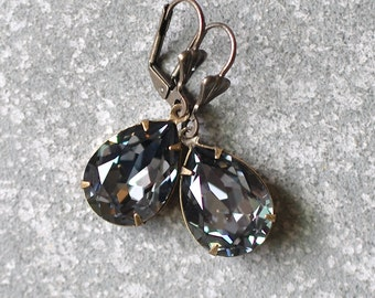 Silver Gray Earrings Swarovski Crystal Cool GrayEarrings Pear Tear Drop Rhinestone Dangle Earrings Duchess Pear Mashugana