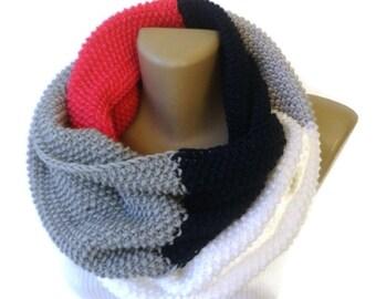 dr Who style scarf knitted infinity scarf / chunky knit scarf / eternity fashion scarf / winter fashion / fall fashion senoAccessory