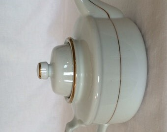Teapot 36 fl. oz.  White Gold Trim Shafford Golden Heirloom