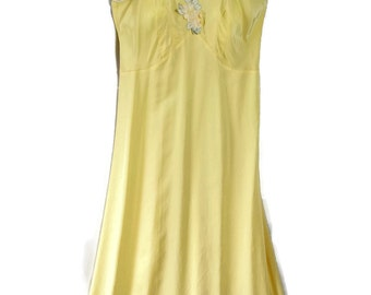 40s 50s Artemis / Slip Dress / Nightgown / Yellow / Size 32