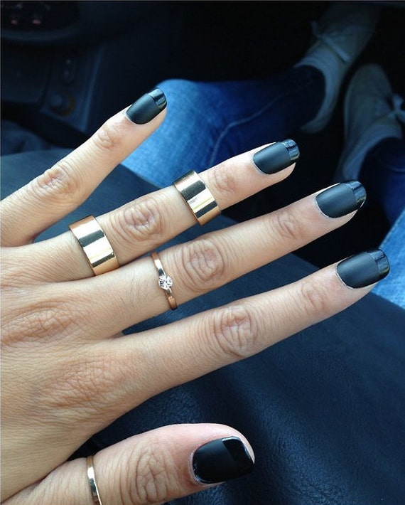 Black french tip acrylic nails