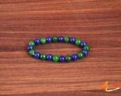 Blue lapis lazuli and  green jadeite bracelet , Elastic  bracelet, alternating lapis lazuli and jade beads