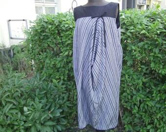 grey black Dress 50 th- stiped Dress - Linendress - handmade Dress - Boulesilhouette