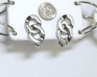 VINTAGE Silver Tone Chain Link Look Clip Earrings