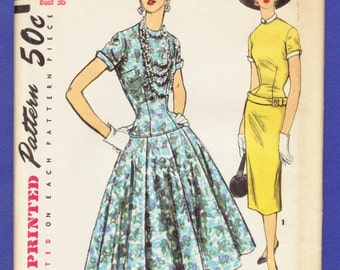 1954 Misses' One-Piece Dress with Two Skirts and Detachable Collar and Cuffs - Vintage Simplicity Sewing Pattern 4993