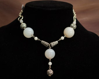 Unique and beautiful hand crafted Agate necklace