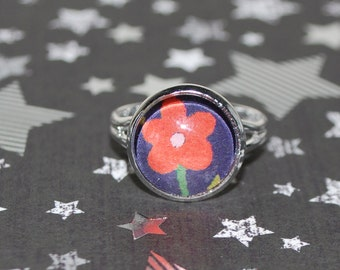 Adjustable small red flower ring