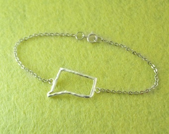 Silver Connecticut Bracelet,Custom Map Bracelet,Personalized Connecticut Bracelet, Connecticut jewelry,Map pendant,custom map jewelry