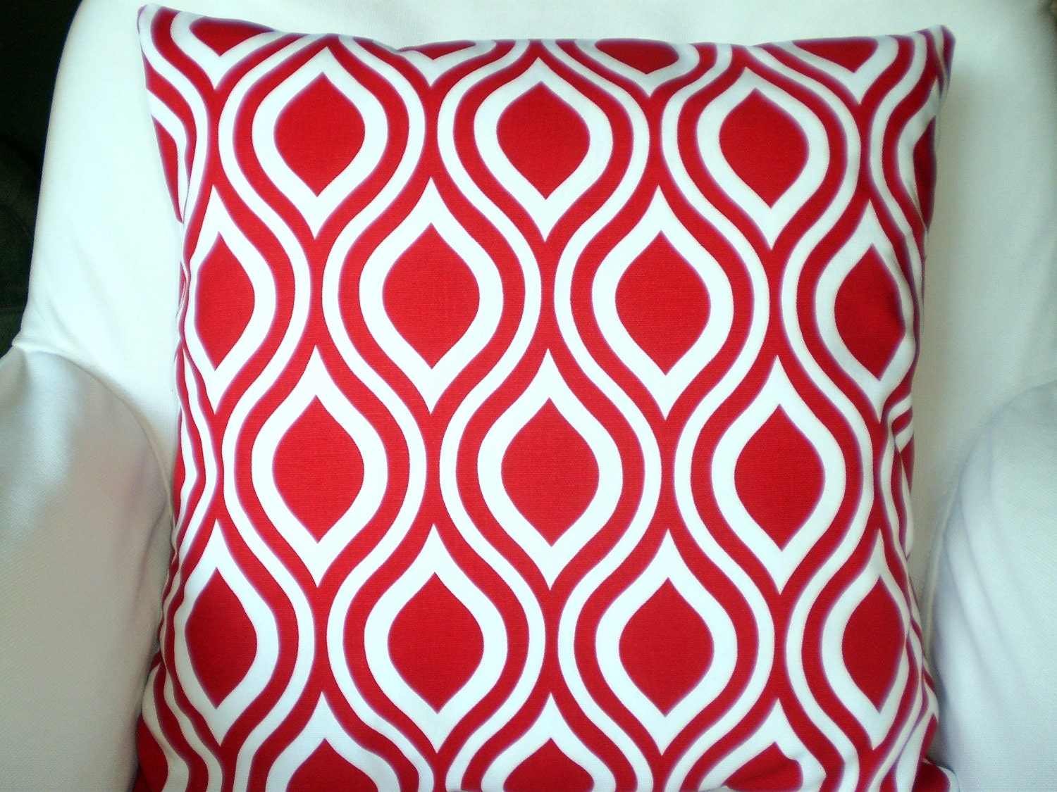 Red White Pillow Covers Decorative Throw by PillowCushionCovers