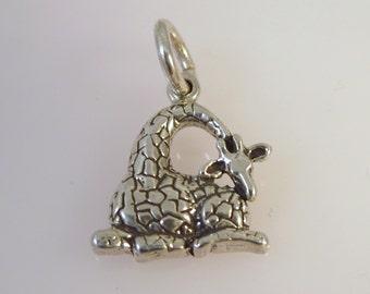 Sterling Silver 3-D GIRAFFE Sitting Charm Safari Pendant .925 Sterling Silver 925 New an15