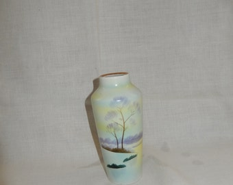 Hand Painted Meito China Vase