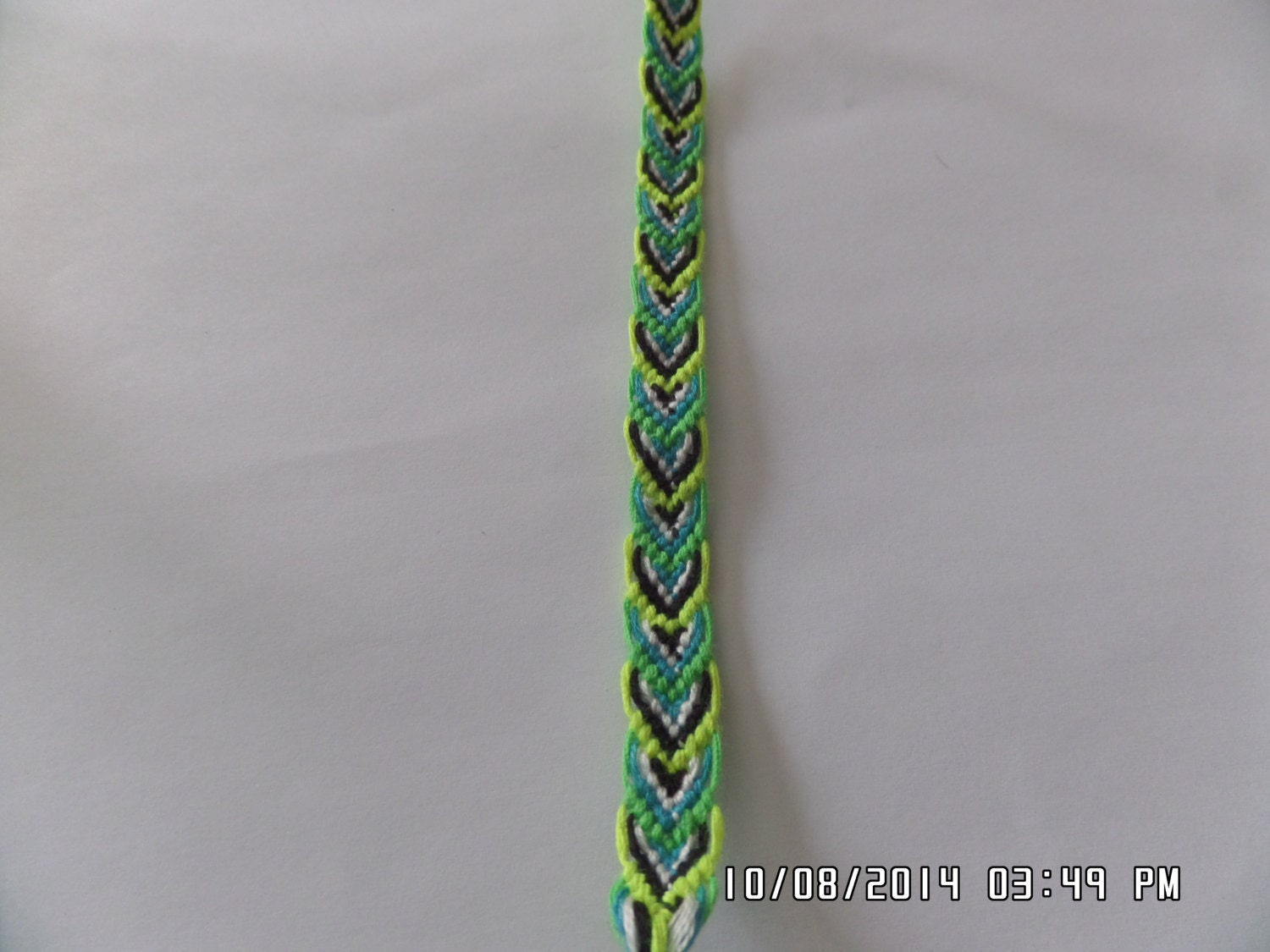 leaves pattern friendship bracelet