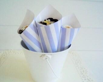 10 Blue Stripe Wedding Cones, Wedding Favors, Confetti Cones, Wedding Cones, Candy Cones, Wedding paper cones, Petal Cones, unfilled