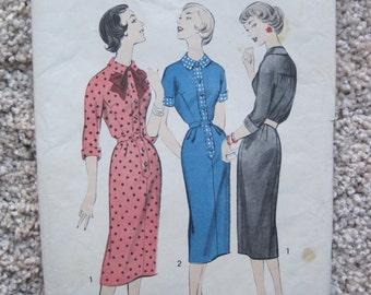 UNCUT Teen/Junior Dress - Advance Sewing Pattern 8493 - Size 14 -Vintage
