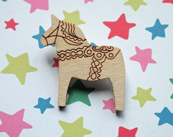 Dala horse brooch / badge in 3mm birch with engraved decorative pattern