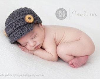 Classic Newsboy Cap / Newborn Photography Prop / Wooden Buttons / Grey / Newsboy Hat