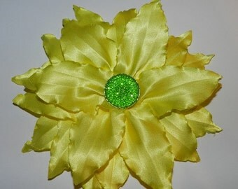 Fabric Flower PDF tutorial_for flower pin, hair clip or brooch _  lily flower!