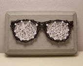 Nerd glasses string art. Handmade optometrist wall art. Spectacles art.