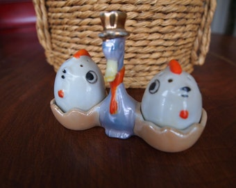 Lustreware Stork Holder Chicken Salt and Pepper Shakers