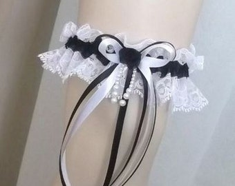 Garter lace white (or ivory) and black