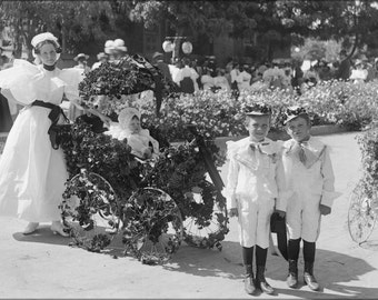 24x36 Poster; Children'S Division Of La Fiesta De Los Angeles Held On The Grounds Of Judge Silent'S Residence, Ca.1906 (Chs-999)