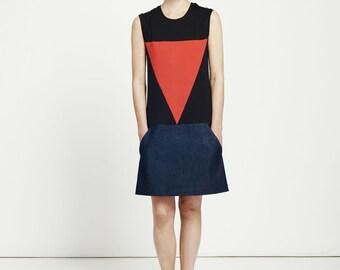 panelled denim dress / shift dress / sleeveless dress / black dress / jersey dress / denim dress / oversized dress