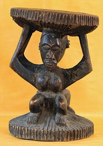 Luba kruk dubbelzijdig uit congo centraal afrika houten - Kruk wereld ...
