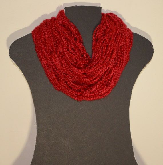 Short Infinity Scarf Red