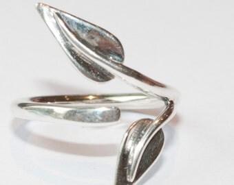 Twin Leaf Ring