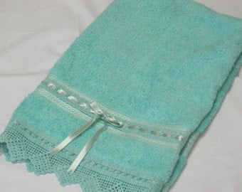 Set of two hand towels! EGST