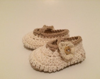 Crochet baby shoes.